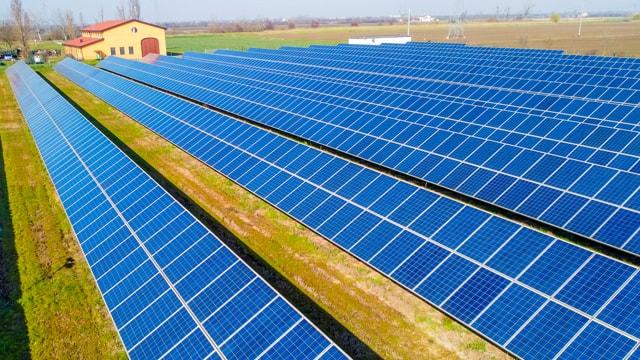Realizzazione di impianto fotovoltaico a terra